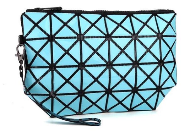 กระเป๋าครัชท์ สีฟ้าน้ำทะเล