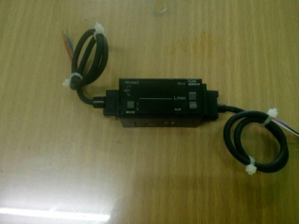 Keyence Flow Sensor FD-V70A สินค้ามือ 2 ทดสอบแล้ว
