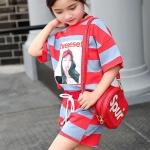 ชุดเซ็ทเด็กโต เสื้อ+กางเกงสีแดงสลับเทา สกรีนลาย ใส่ไปเที่ยวก็น่ารักมากค่ะ