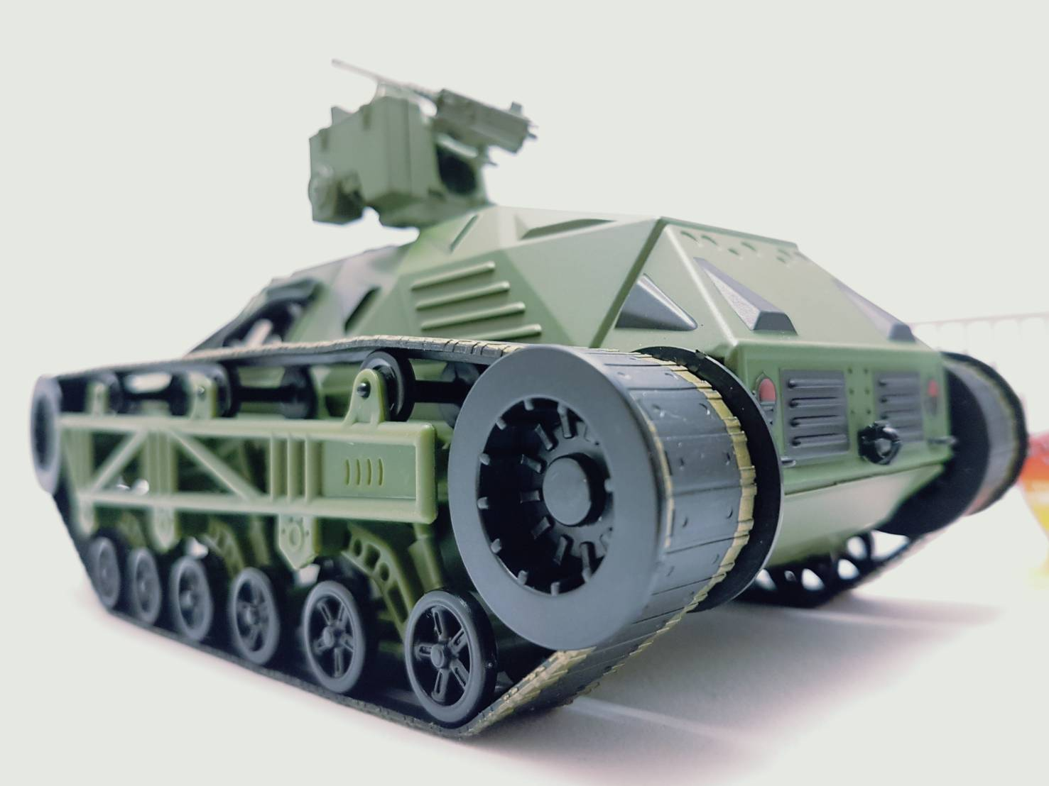 Jada Modèle Véhicule Miniature FAST /& FURIOUS 8 F8 RIPSAW TANK 1//24